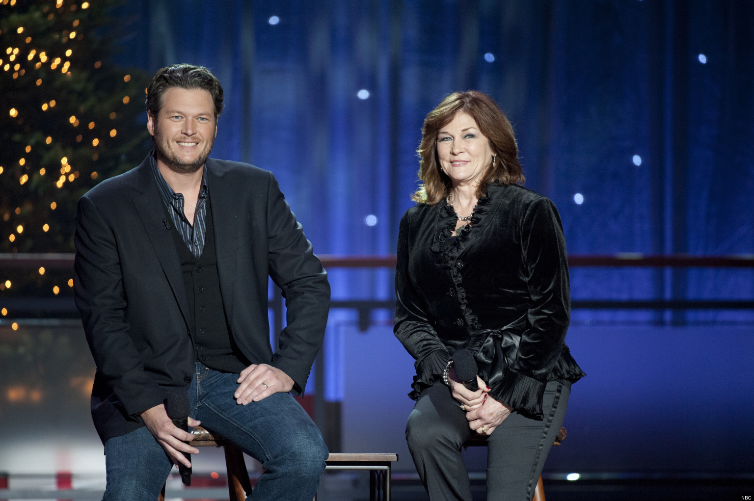 Blake Shelton Christmas Special Includes A Duet With His ...