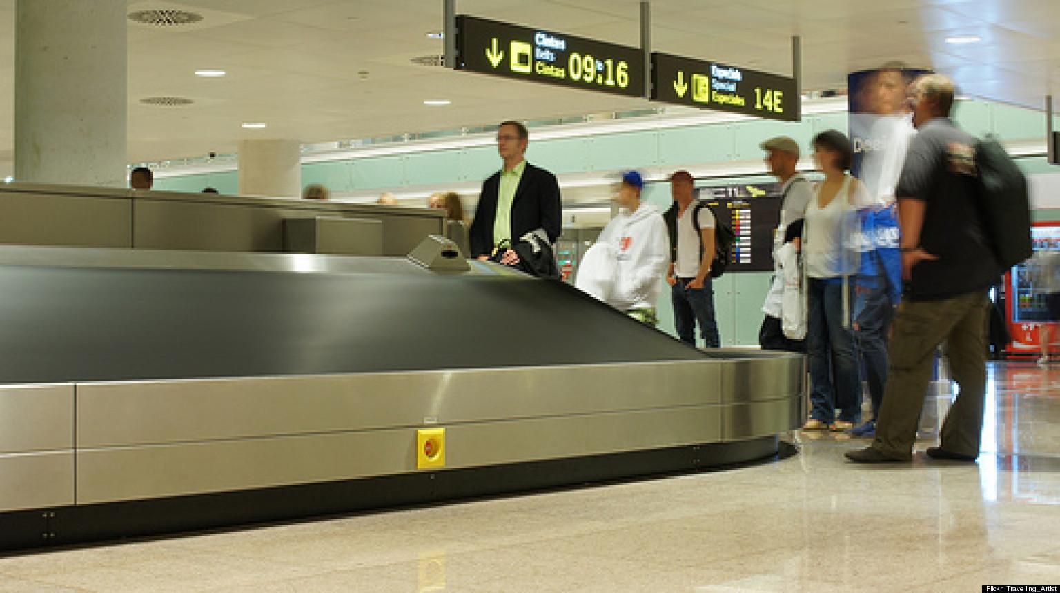 7 ways to prevent lost luggage smartertravel. Black Bedroom Furniture Sets. Home Design Ideas