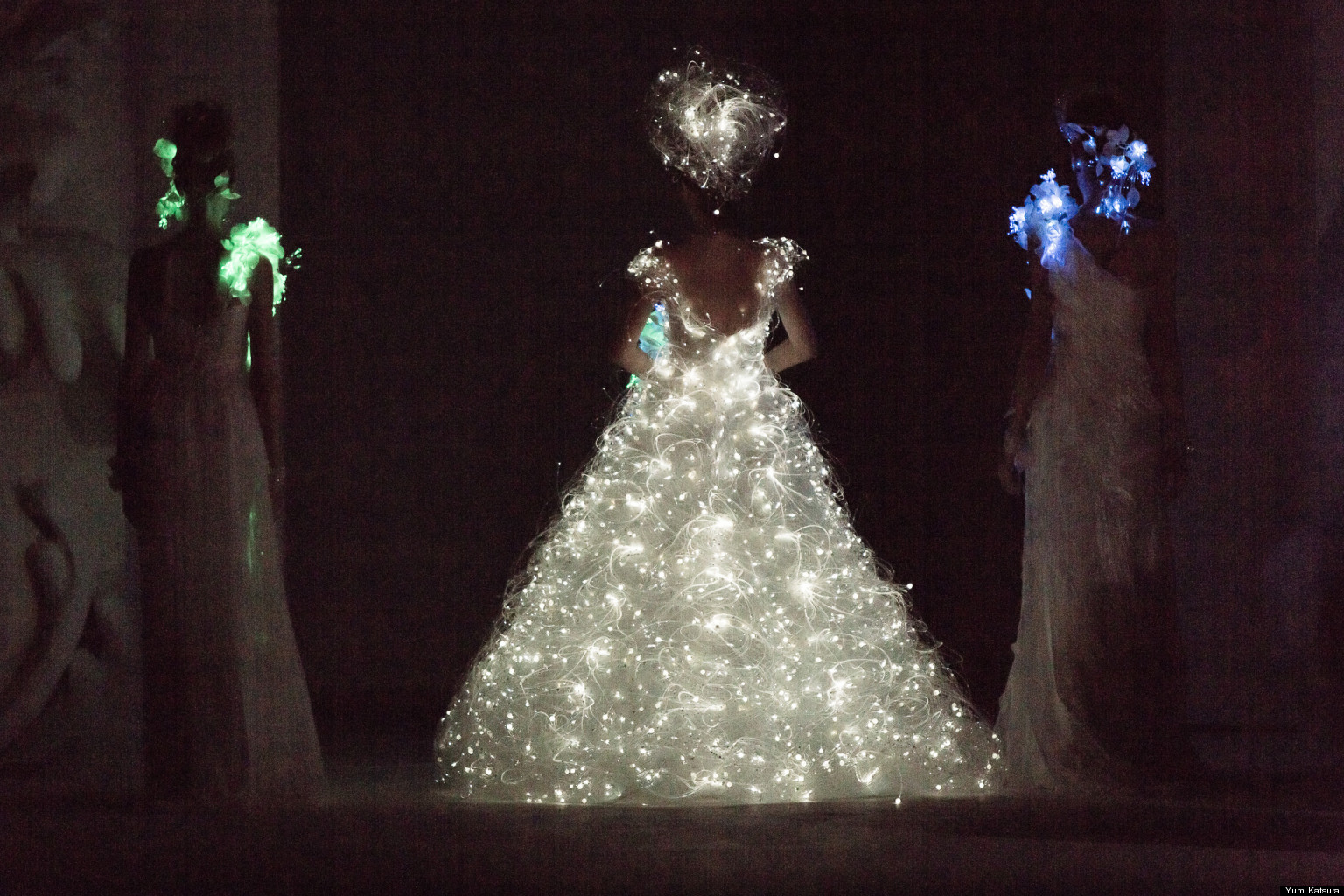 Wedding Dress With Lights Yumi Katsura Debuts Glowing