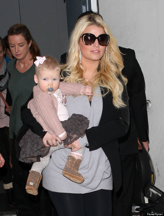 Jessica simpson baby and fianc eric johnson step out at lax photo 60 pound weight loss jessica simpson baby publicscrutiny Images