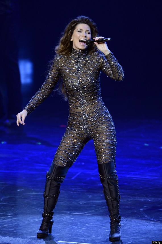 Shania Twain Hot: Singer Stuns Onstage After 8-Year Hiatus