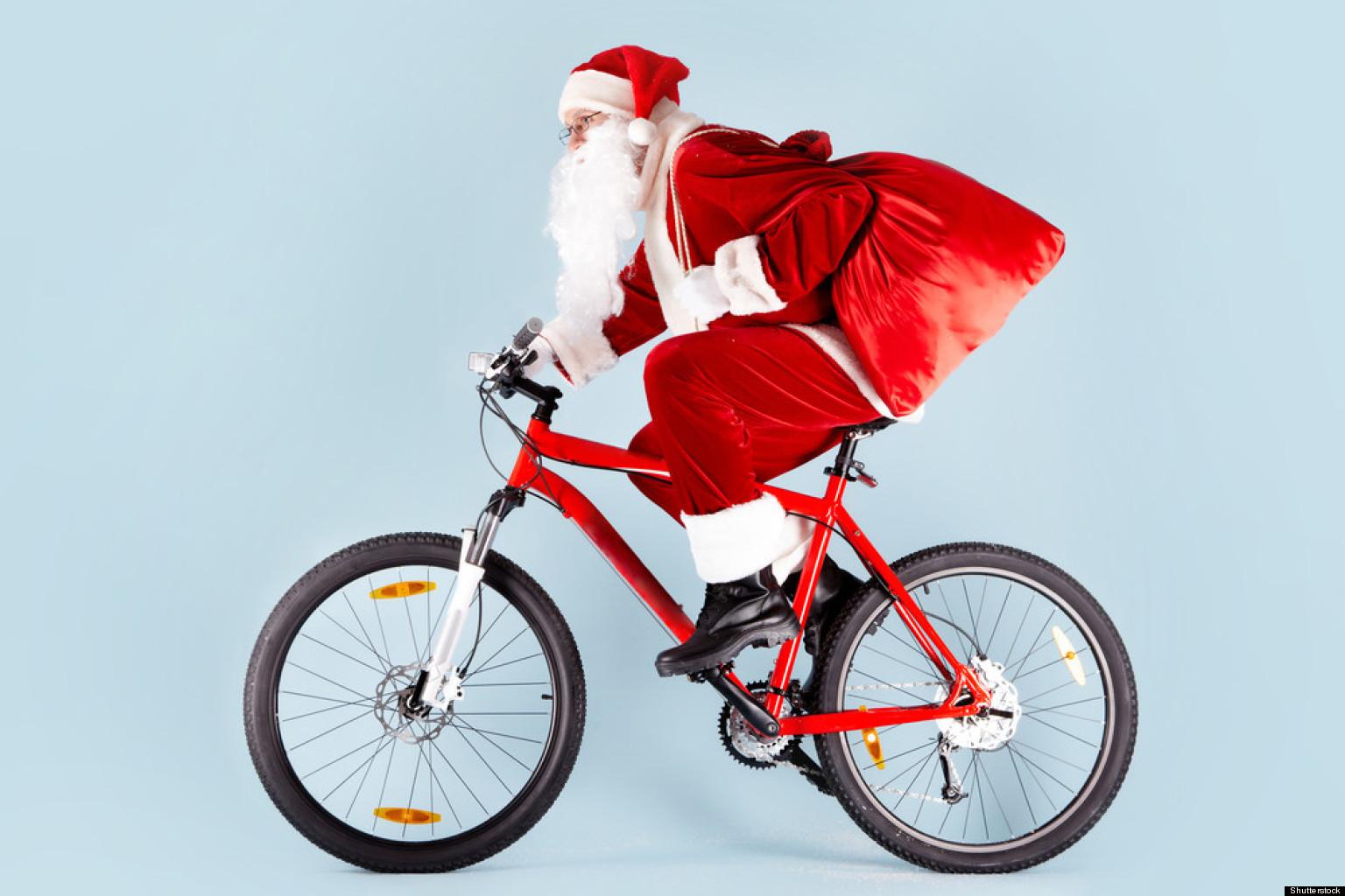 На велосипеде с подарком 64