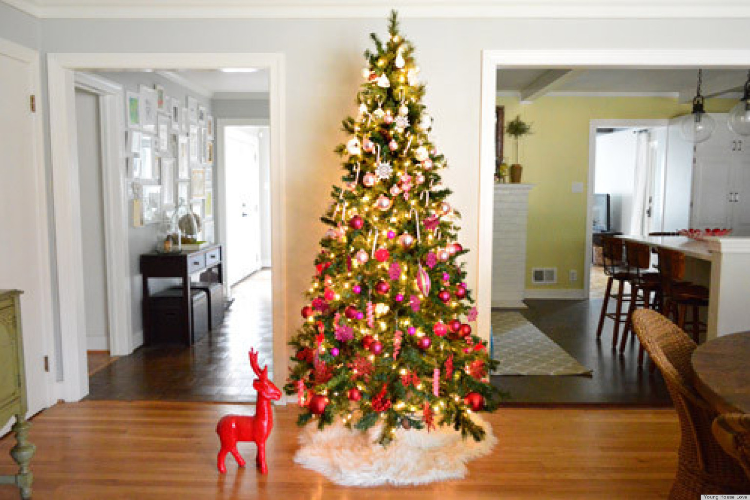 Christmas tree decorating ideas an ombre design from Ideas for decorating a christmas tree