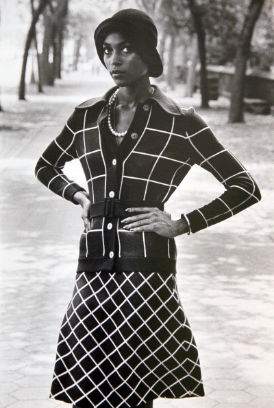 The First Black Supermodel, Naomi Sims, Tries A 1920s Look ...