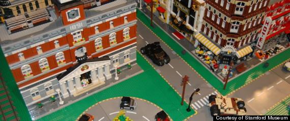 TOYS R US LEGO LAWSUIT