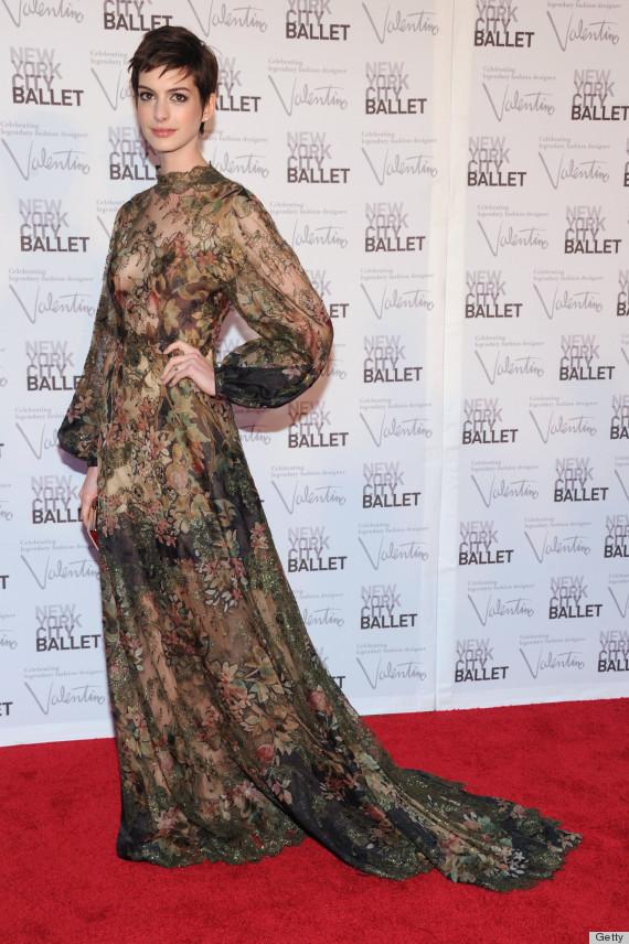 anne hathaway dress