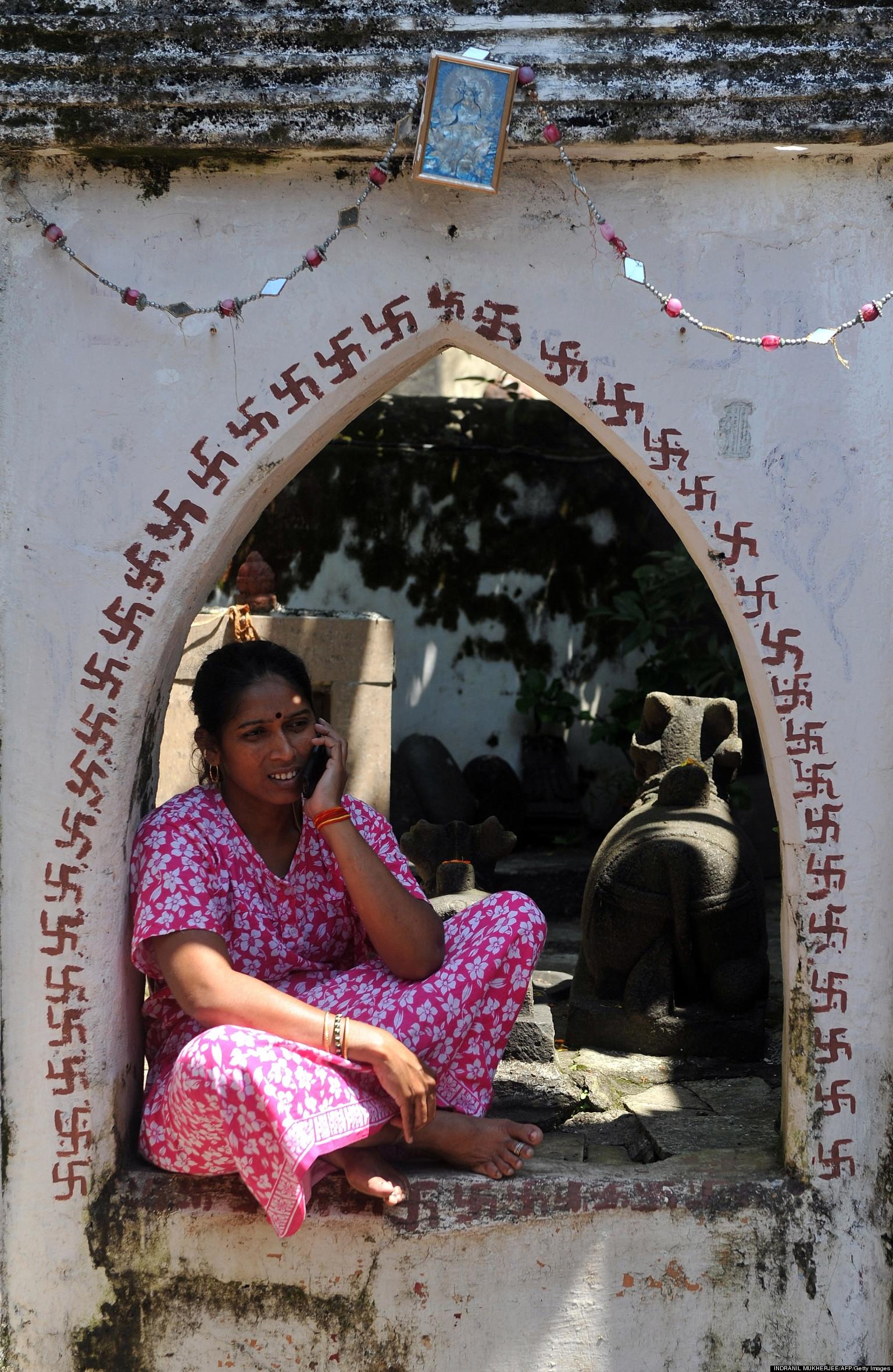 India U0026 39 S Women Cell Phone Ban  Sunderbari Village Bars