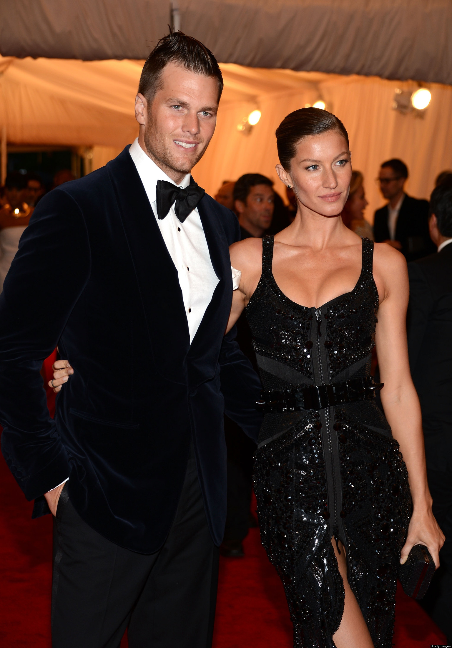 Gisele Bundchen, Tom Brady Welcome Baby Daughter, Vivian ... Gisele Bundchen Facebook