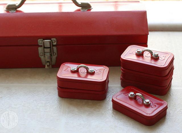 Homemade gift ideas for men altoid tin mini toolbox