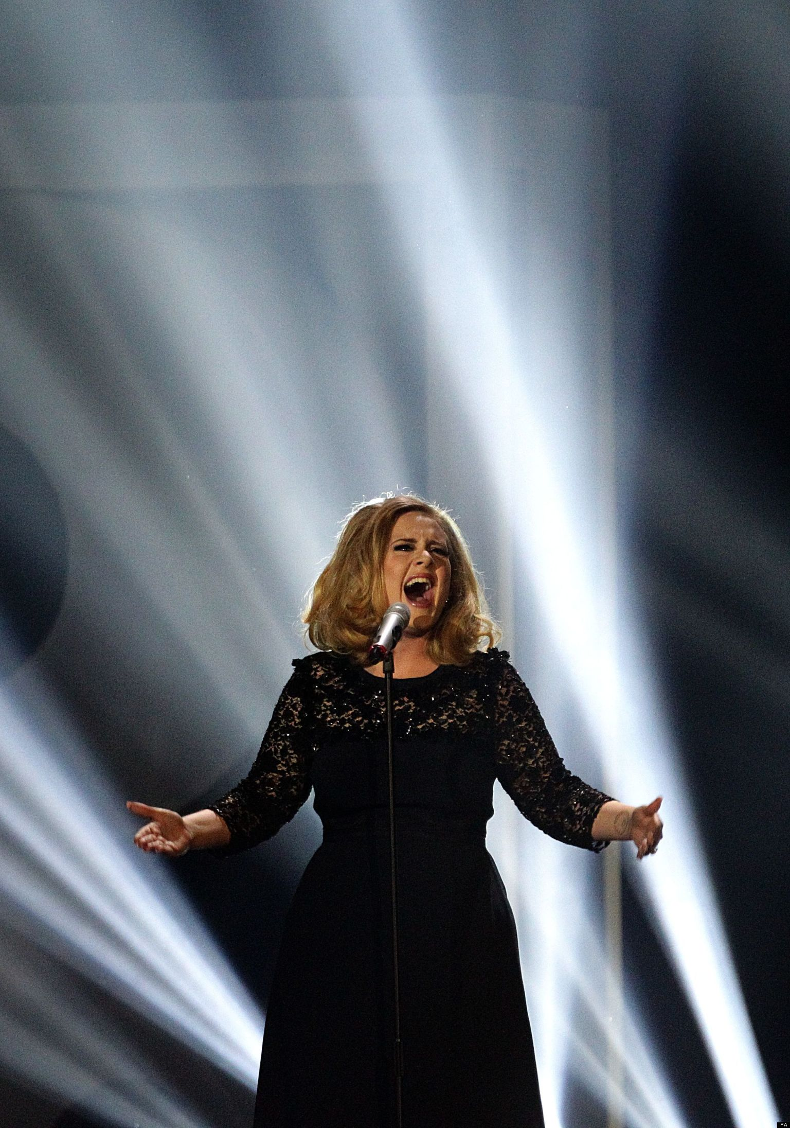 Adele Faces A Fine After Failing To Register Her Baby With ...