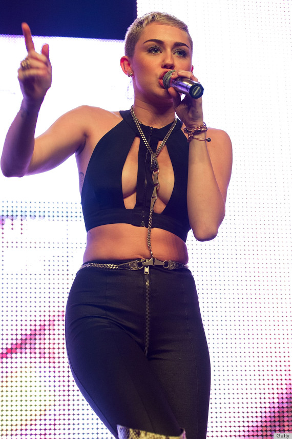 Miley Cyrus Bra Top: Singer Spills Out Of Crop Top During Performance ...