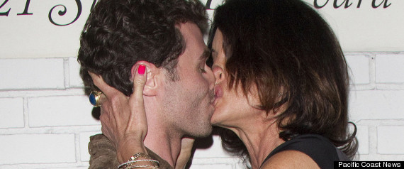 Celebrities Kissing