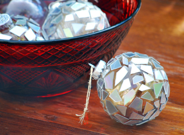 Holiday Craft Ideas Turn Old Cds Into Mosaic Ornaments Huffpost Life