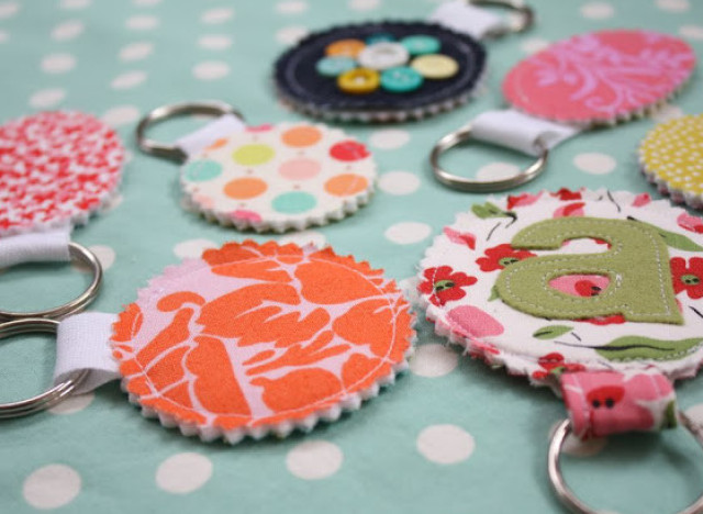 Homemade gift ideas fabric scrap keychains perfect for secret santa homemade gift ideas negle Image collections