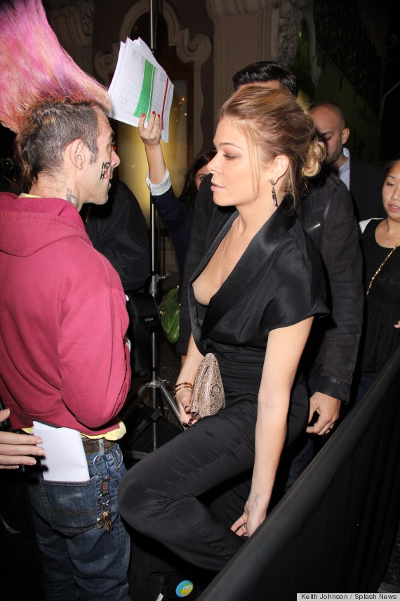 LeAnn Rimes Wardrobe Malfunction: This Is Why You Should Wear Shirts ...