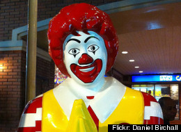 Mcdonald 39 s pushes stores to stay open on christmas for Fast food places open on christmas day