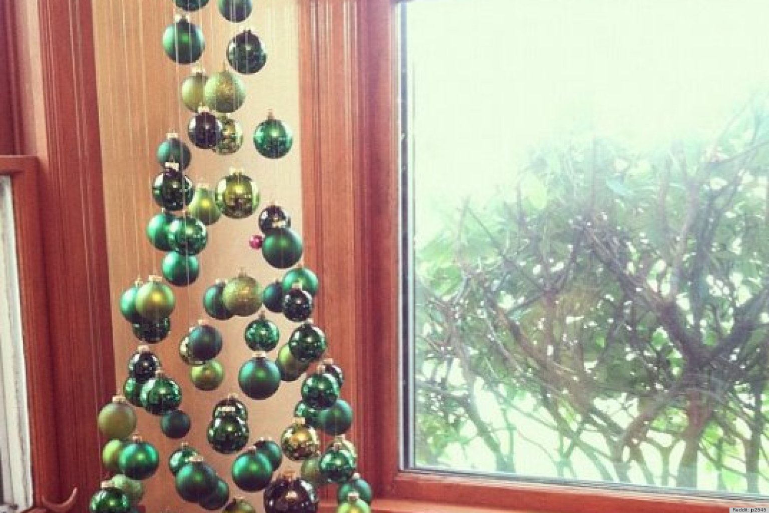 O ALTERNATIVE CHRISTMAS TREE IDEAS
