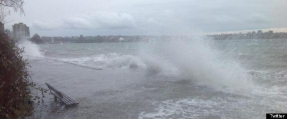 STANLEY PARK SEAWALL