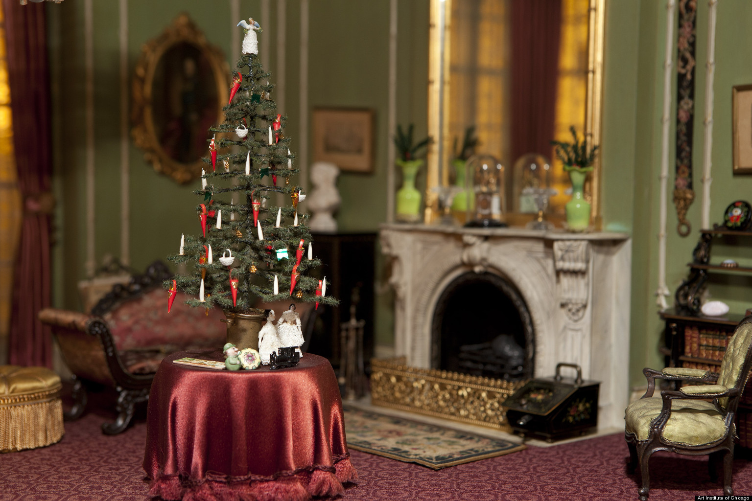 Thorne Miniature Rooms Holiday Trimmings Shows Tiny Decor