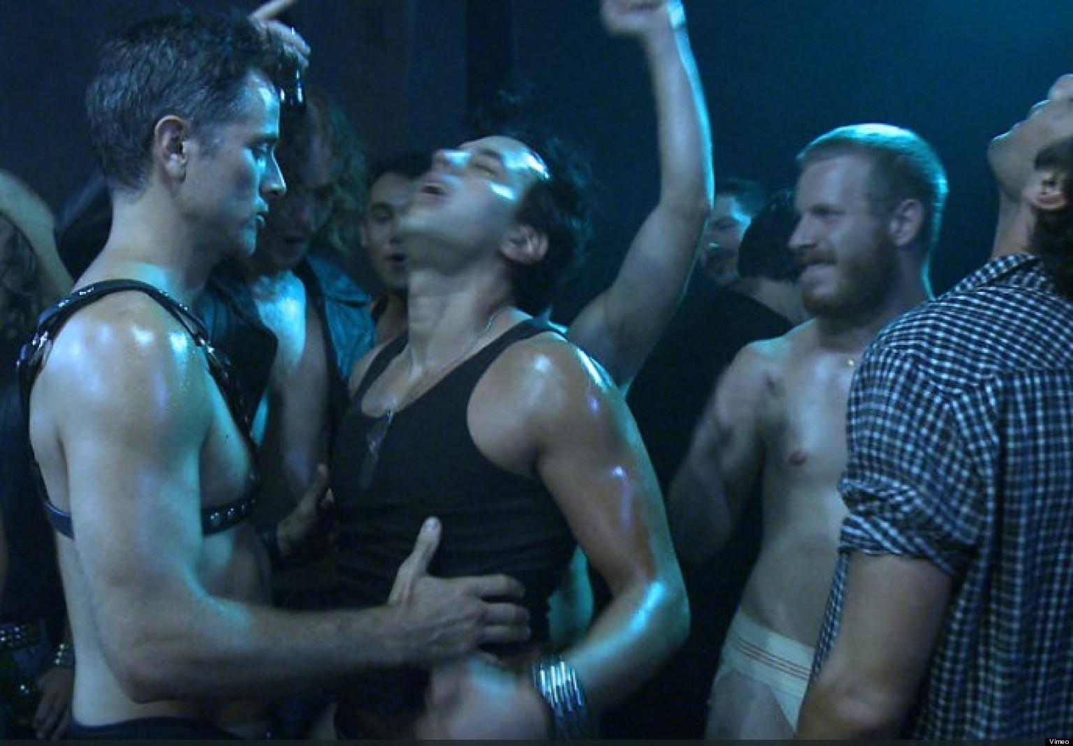 Смотреть онлайн бесплатно гомосексуалы 20 фотография