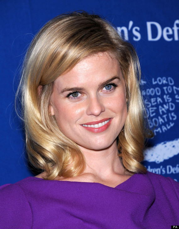 Alice Eve Tells Huffpostuk Working With J Abrams Star Trek Crew Was