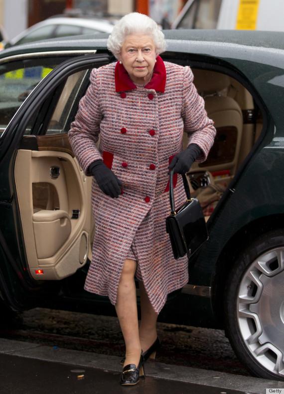 Queen Elizabeth Ii Surprises Us Construction Workers In