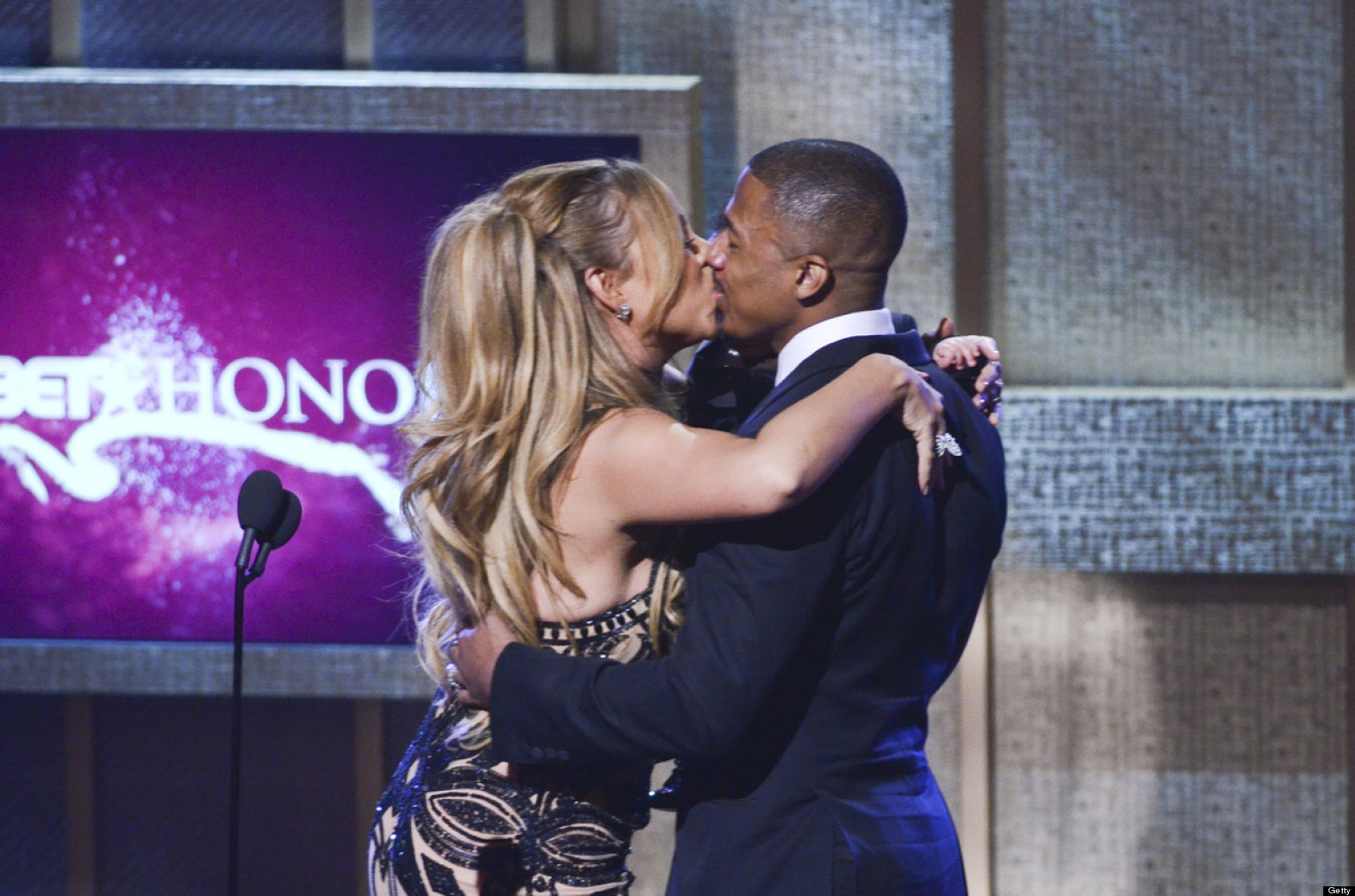 Awkward Kisses: The Most Uncomfortable Celeb Smooches Of