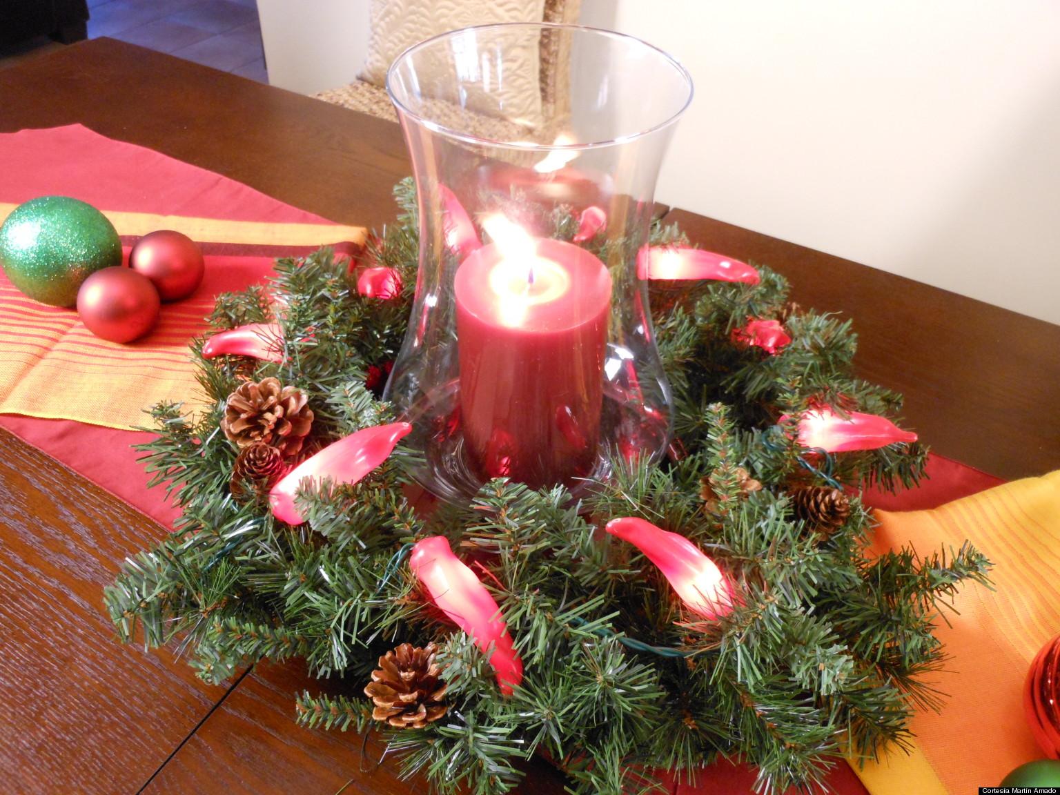 Ideas para crear un centro de mesa con una corona navide a - Como hacer centros navidenos ...