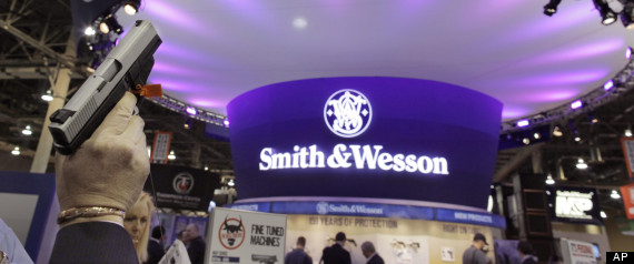 Man Cave Trade Show : Smith wesson broke clinton era gun safety pledge to