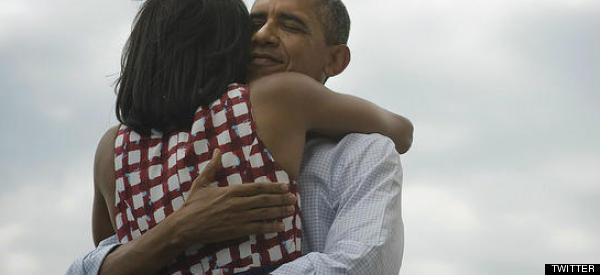 Por qué y dónde se dieron los Obama el abrazo más retuiteado de la historia