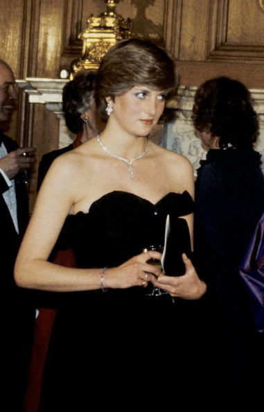 Teenage Princess Diana Stuns In Little Black Dress In 1981 Photo