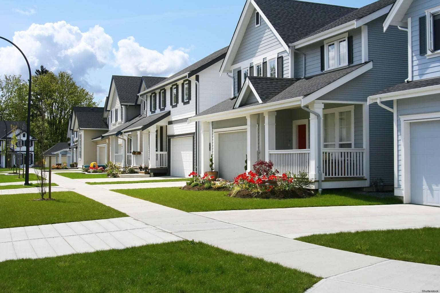 miranda lambert and blake shelton named most desirable celebrity neighbors by zillow survey 2013. Black Bedroom Furniture Sets. Home Design Ideas