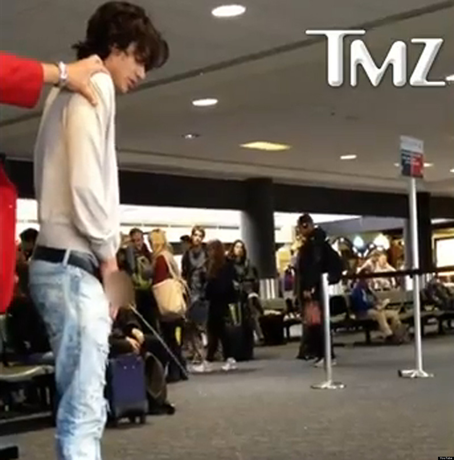 Bronson Pelletier Pees At LAX (VIDEO, NSFW) | HuffPost