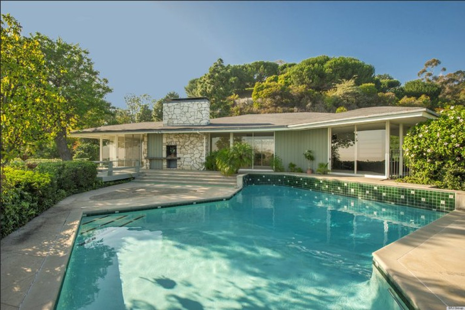 Ronald reagan 39 s former pacific palisades los angeles home for Houses for sale pacific palisades