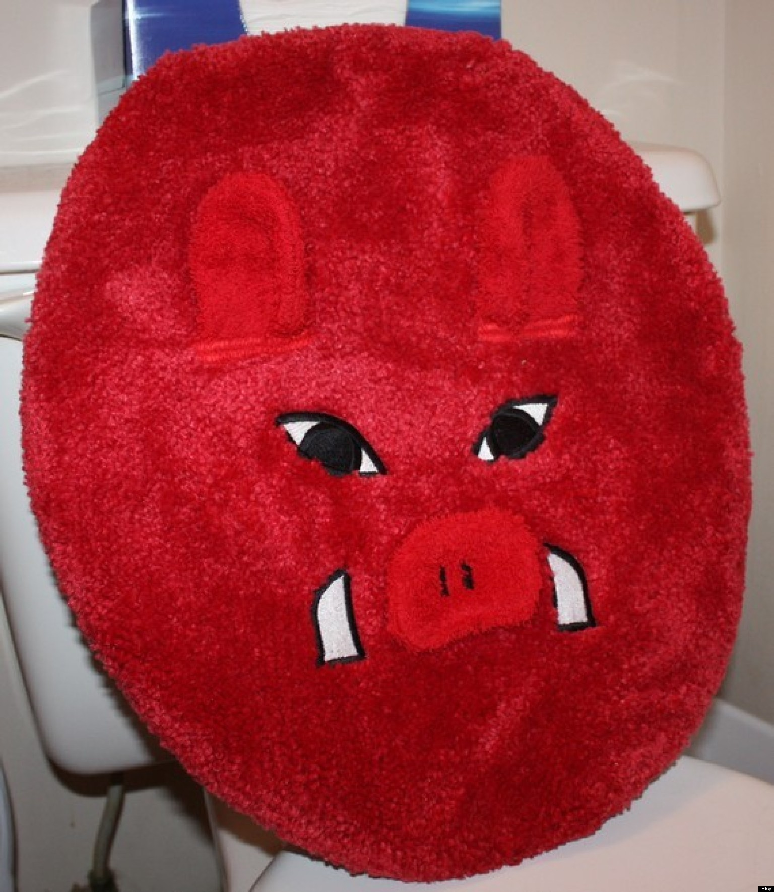 25 Ridiculous Toilet Seat Covers (PHOTOS)