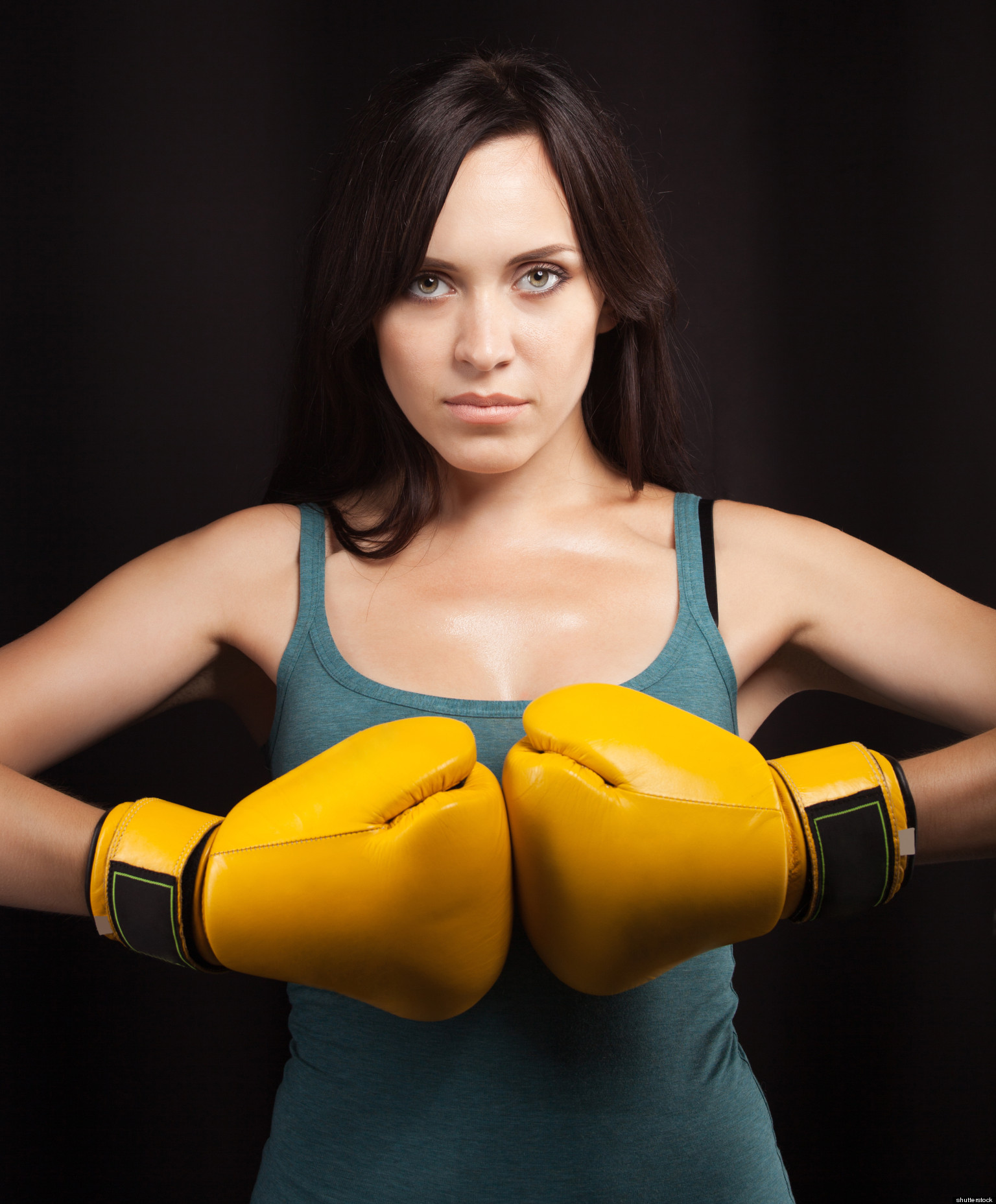Фото брюнеток в боксерских перчатках 20 фотография