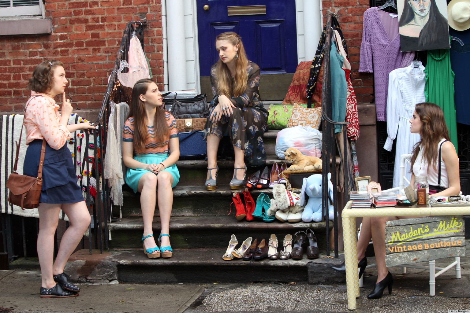 Girls suits and 10 more awesome shows about new york for Tv shows to see in new york