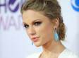 Taylor Swift Takes The Plunge At The People's Choice Awards In A Sexy White Gown (PHOTOS)