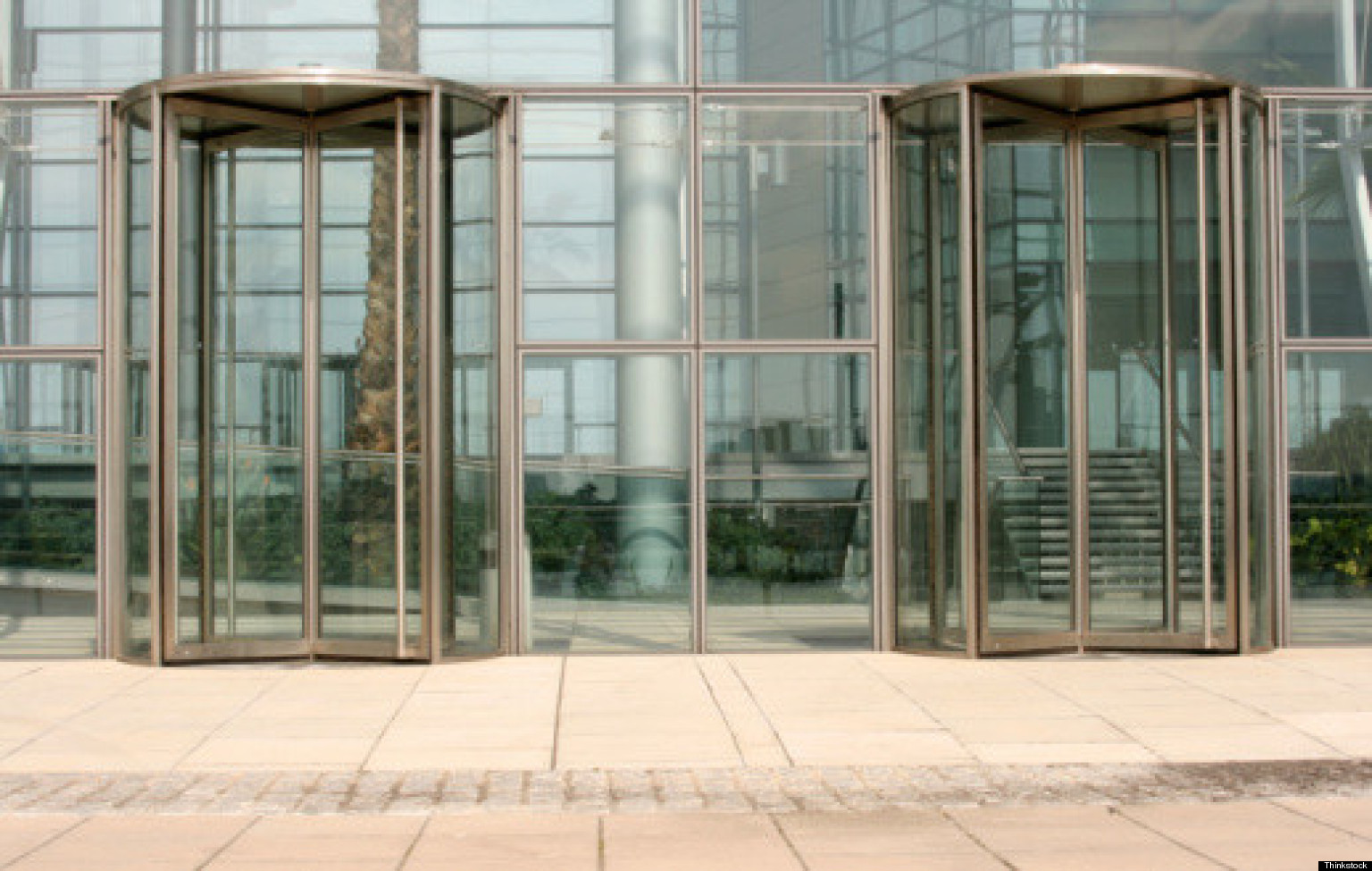 Del gobierno a la empresa la 39 puerta giratoria 39 no cesa for Puerta giratoria