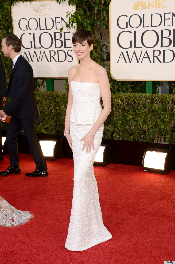 Anne Hathaway\'s Golden Globes Dress 2013 Rules The Red Carpet ...