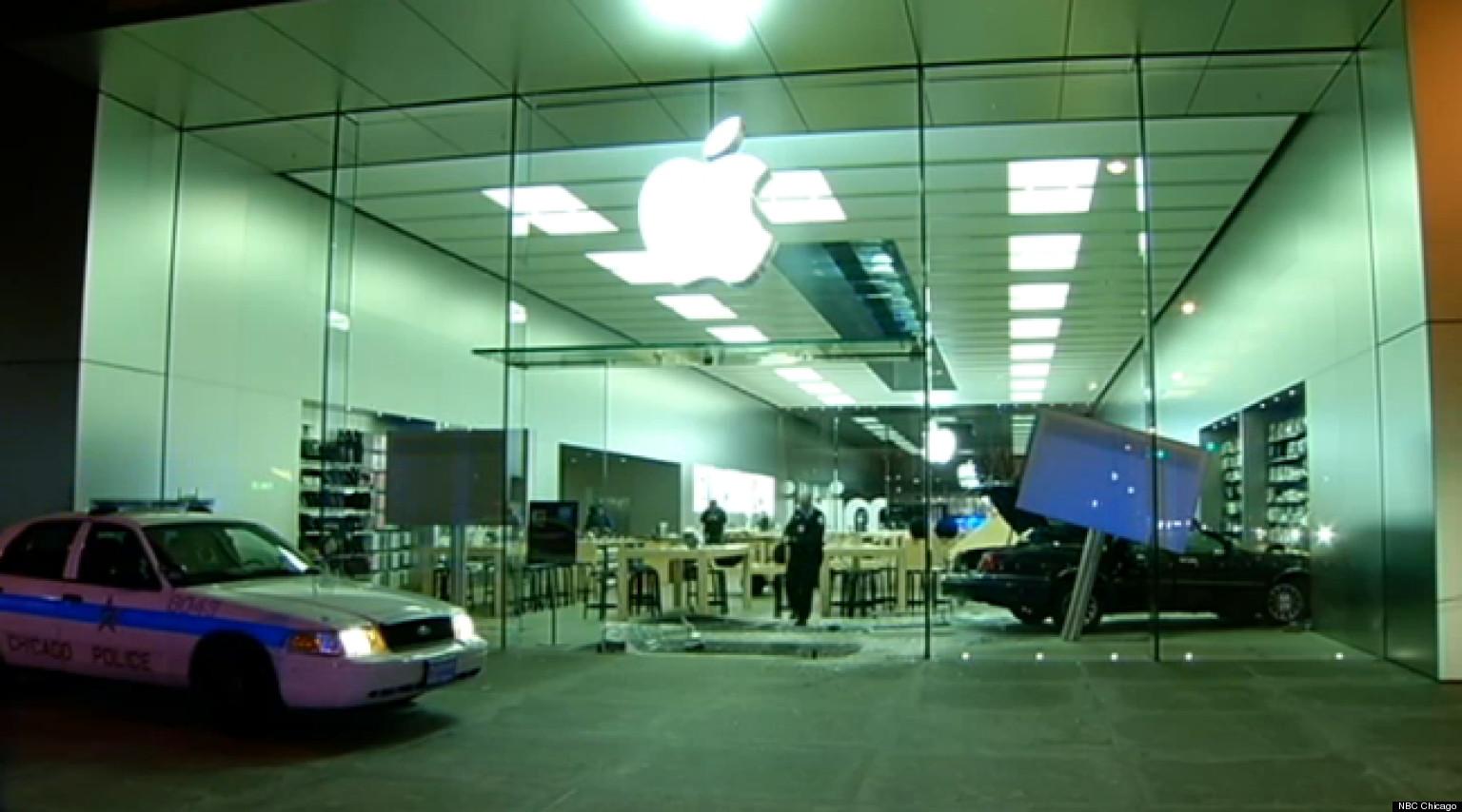 Car Crashes Into Apple Store 1 Injured In Crash Inside