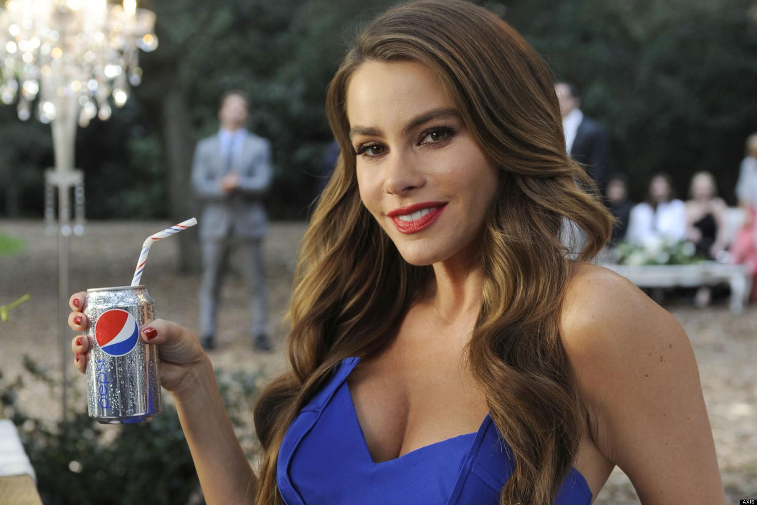Sofia es una latina muy hermosa y muy tetona - 3 3