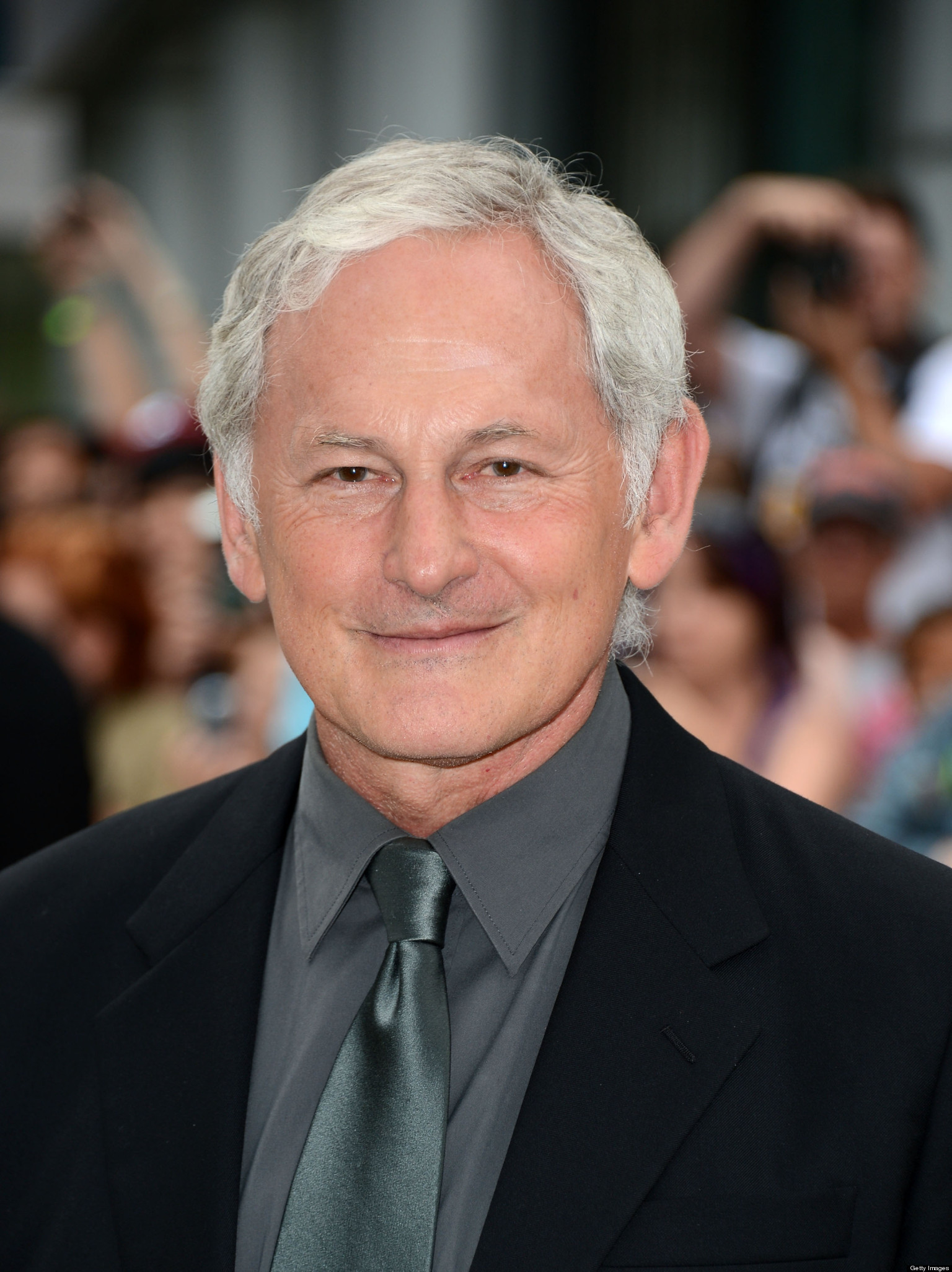 The 68-year old son of father Joe Garber and mother Bessie Hope, 174 cm tall Victor Garber in 2017 photo