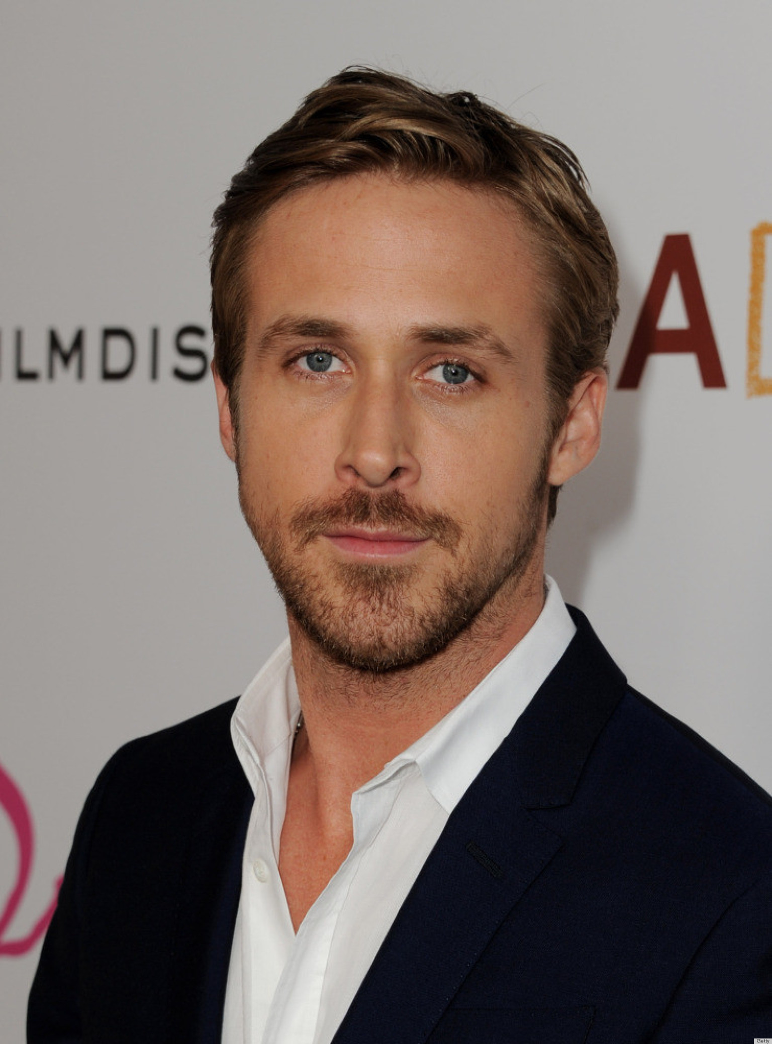 Ryan Gosling Reveals To GQ Australia He Loves To Knit | The Huffington Post