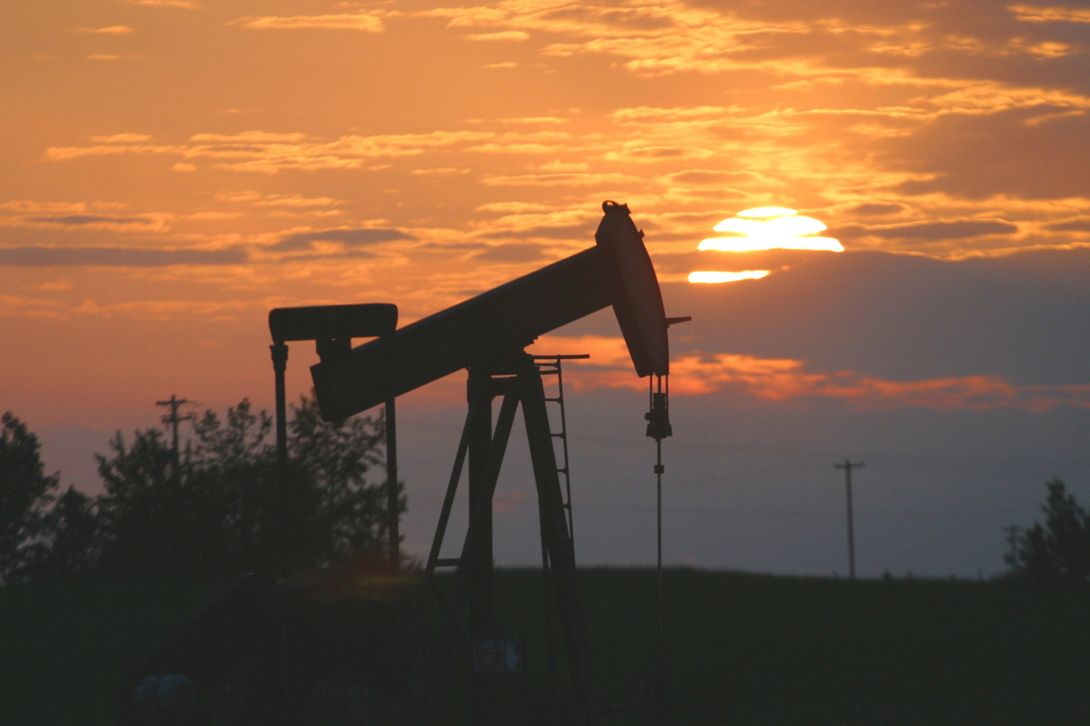oil industry canada  norway offers lessons on how to