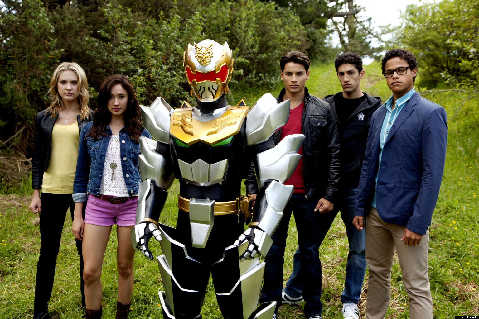 'Power Rangers Megaforce': Trailer Reveals New Rangers ...