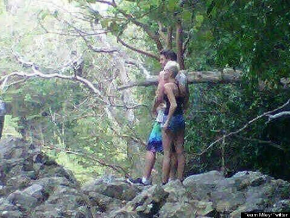 miley cyrus liam hemsworth vacation