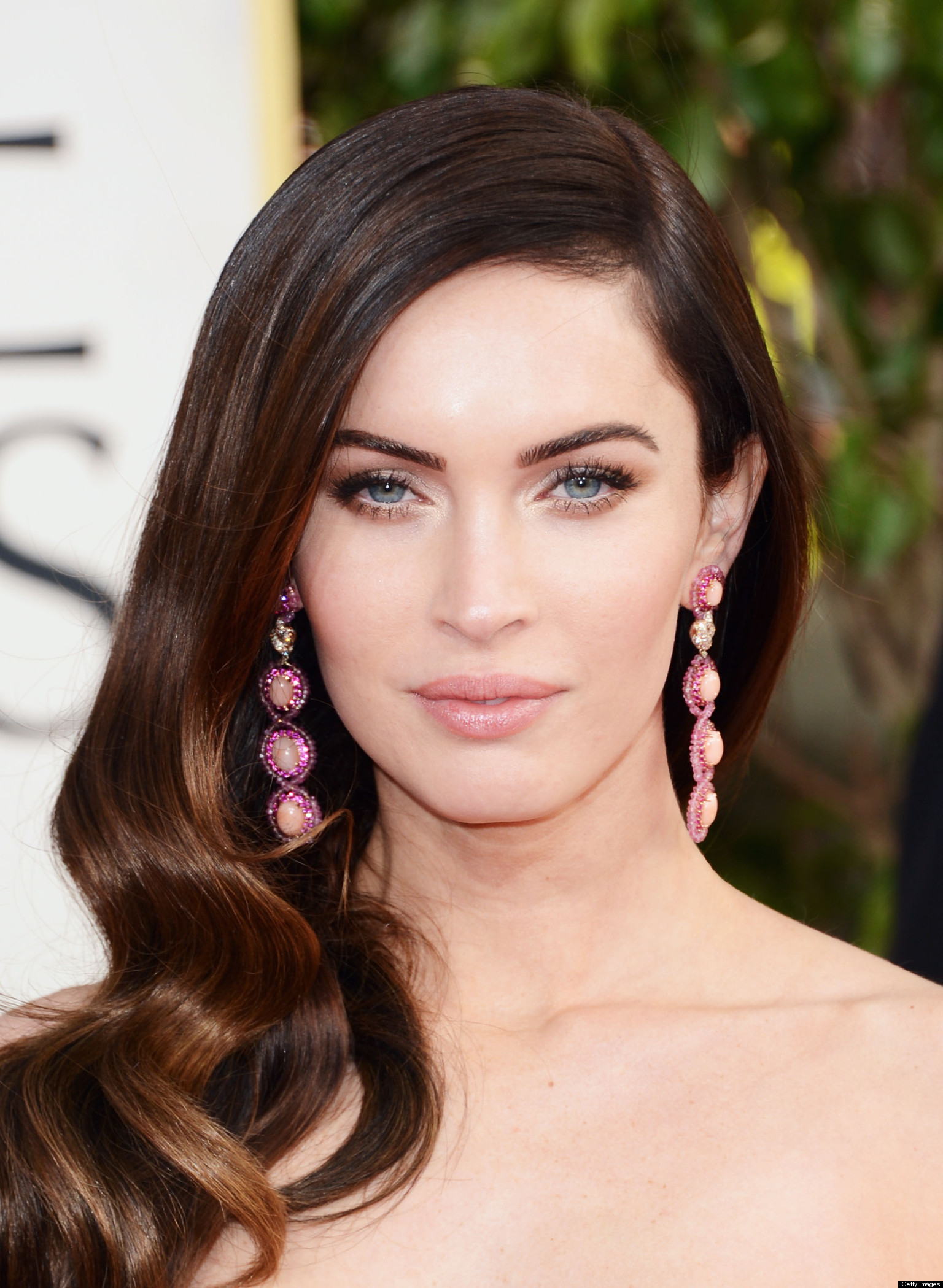 Megan Fox's 'This Is 40' Blooper: Leslie Mann Fondles Actress' Breasts