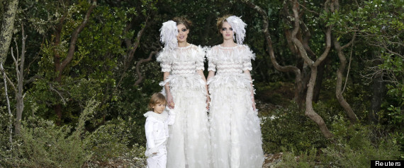 CHANEL MARIAGE GAY ROBES