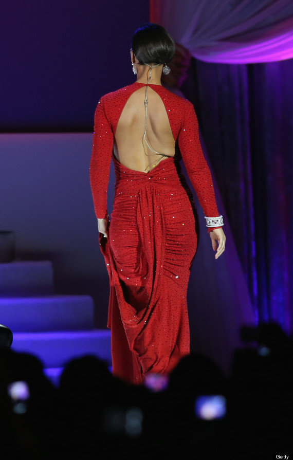 alicia keys red gown